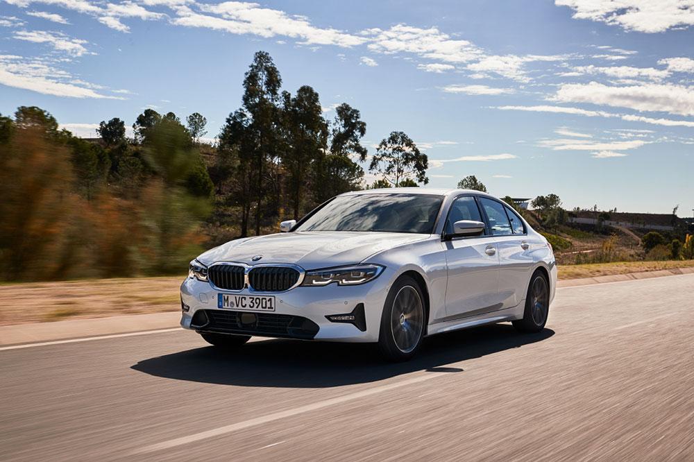 BMW 320i 출시 3시리즈 가솔린 라인업 추가 가격과 구성은?