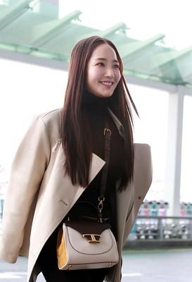 박민영(Park Min-young) 공항패션 고화질 2020.02.19