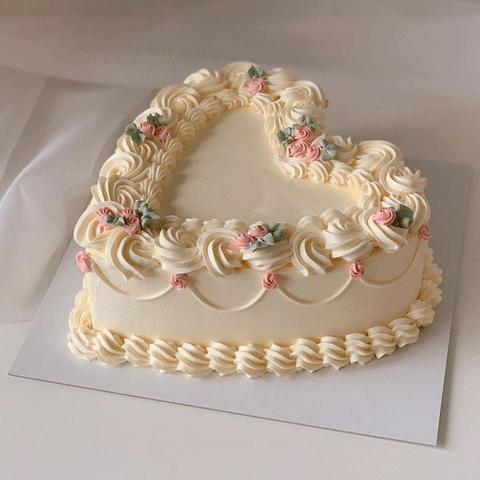 어느 영국 런던 케이크집의 케이크들