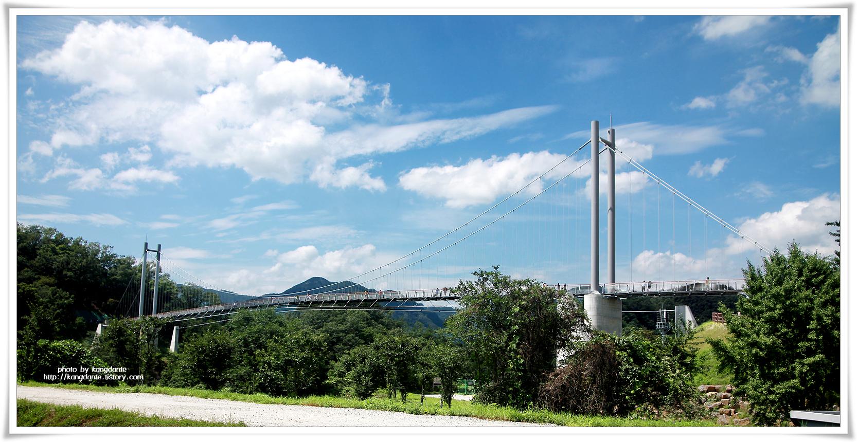 한탄강 물줄기와 주상절리 비경을 함께 즐기는 한탄강 하늘다리