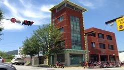 유구읍내에 자리한 5층 상가건물