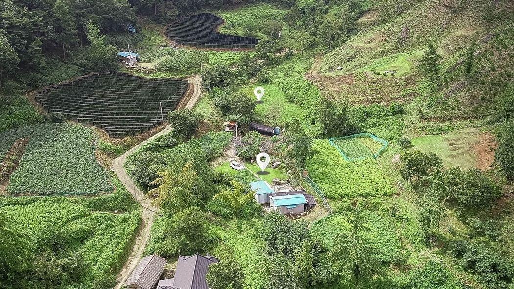 마을 상단부 산아래 독립성 강한 조용하고 한적한 전원주택지