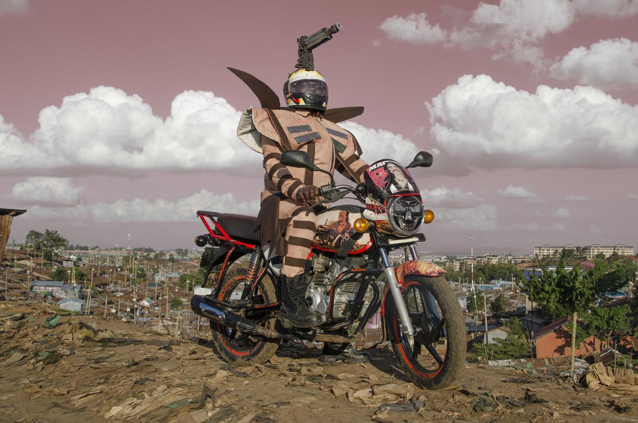 아프리카 오토바이 패션피플을 담은 보다 보다 매드니스 사진 시리즈