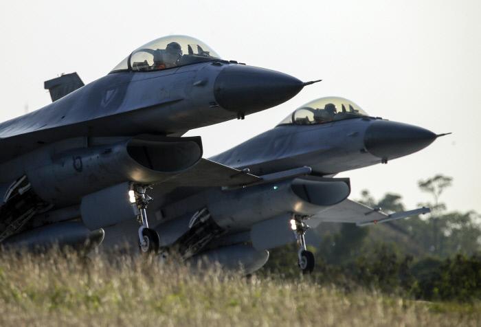 F-16이 불러온 미·중·대만 새 갈등…미국의 대중국 지렛대, '무기 판매의 무기화'