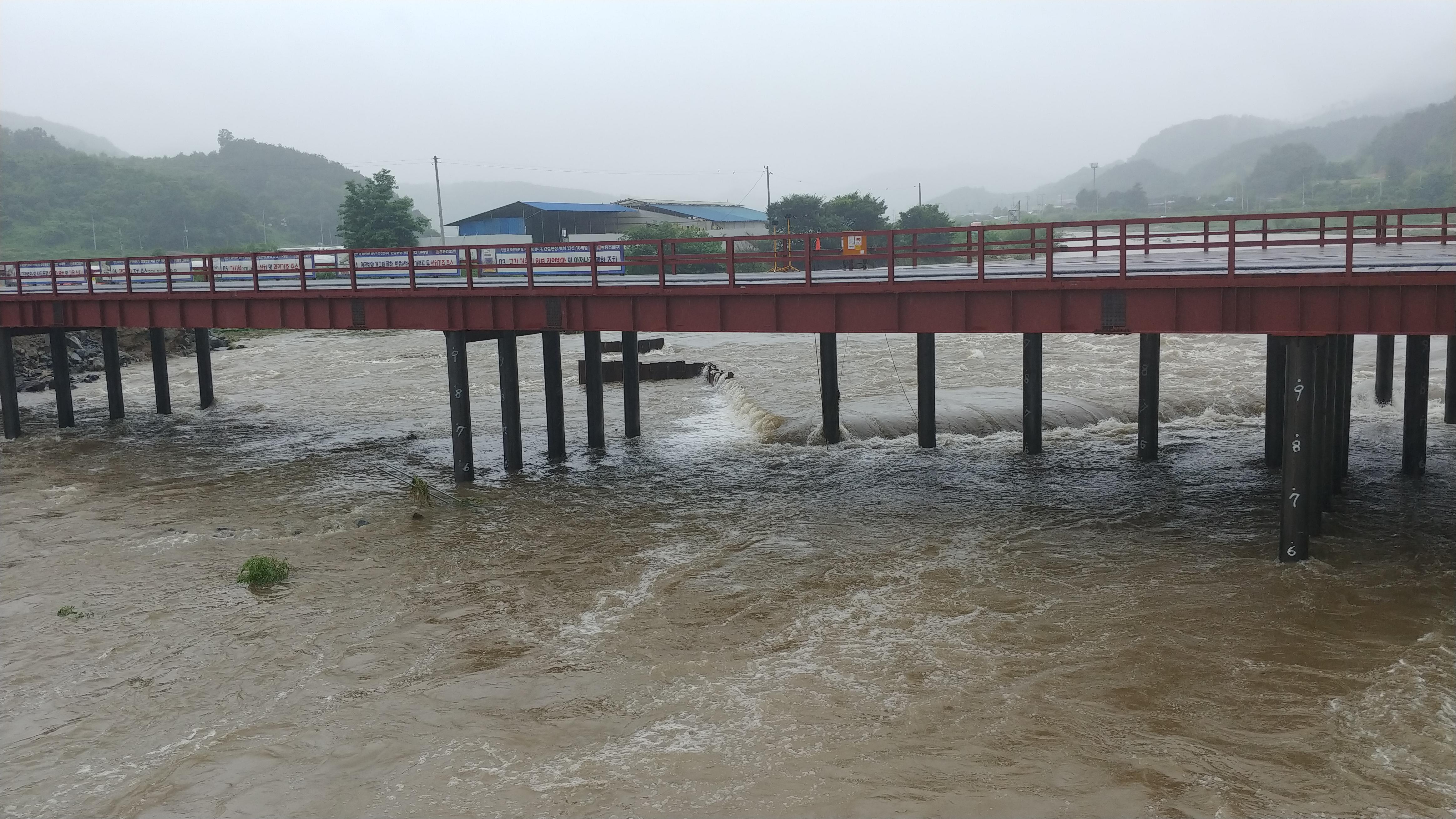 [행복찾기] 함양에 내린 폭우, 불어난 하천물에 급류에 휩쓸려 2명의 목숨을 앗아간 안타까운 사고 발생
