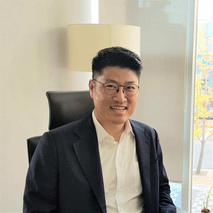 """""""종이 없는 세상을 꿈꾼다""""…이파피루스 김정희 대표 이미지"""