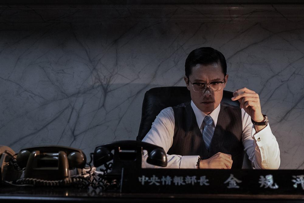 10.26 사건을 담백하고 매끈하게 담은 남산의 부장들 추천영화