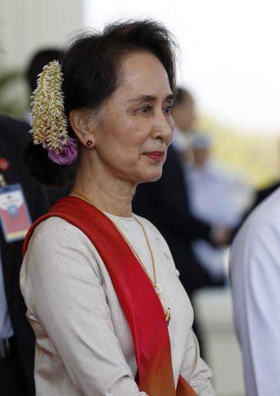 """국제사법재판소, 미얀마에 """"로힝야 학살 막아라"""" 명령"""