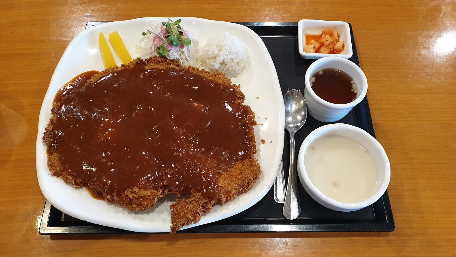 돈까스클럽 천안서북구점 : 추억의 맛, 왕돈까스 맛집