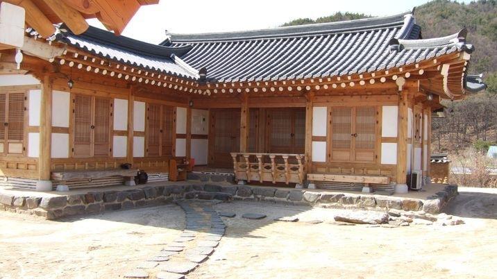 한옥 장인이 직접 지은  전통과 현대가 공존하는 전통 한옥집