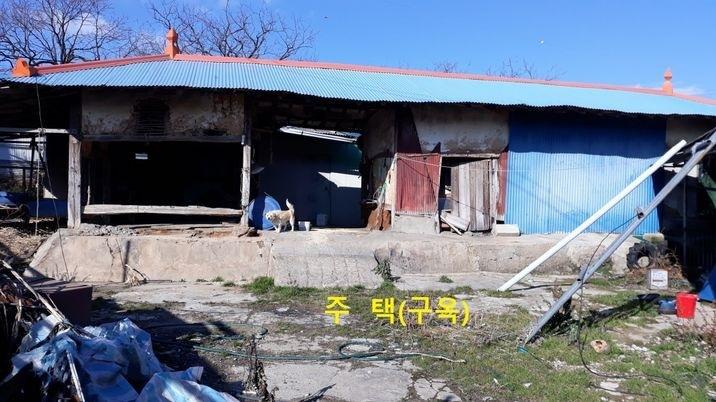 마을 안에 작지 않은 대지평수의 농가주택,토지값만으로 나온 매물