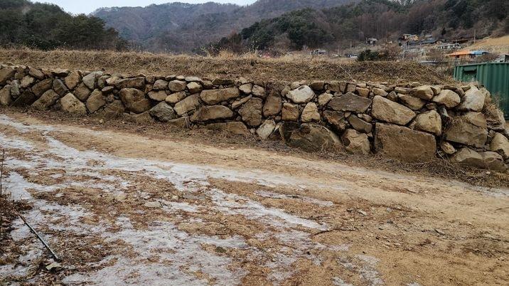 토목공사,석축공사,지하수관정이 파져있는토지  1,500평