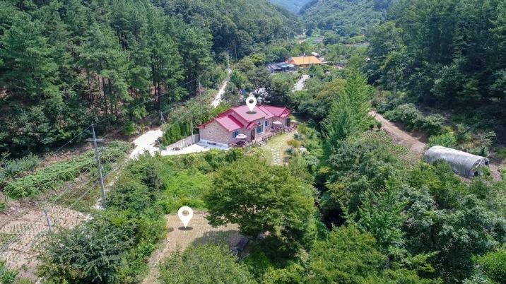 공기 맑고 환경 좋은 산속의 힐링 가득한 전원주택