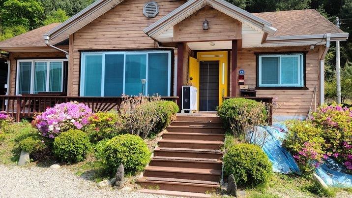 동홍천ic에서 6~7분 거리에 위치하여 접근성이 좋은 주택 입니