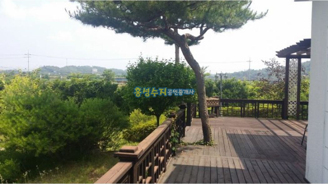 대저택과 멋진 정원. 대지1,248평집113평