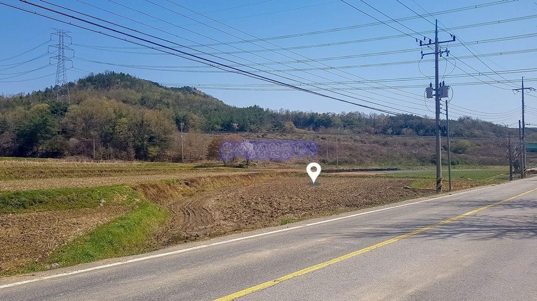 고속도로 인근 2차선 도로가 옆 접근성 좋은 창고부지
