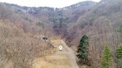 외지인이 하나둘 들어오는 곳에 산이 감싸주는 한적한 전원주택지