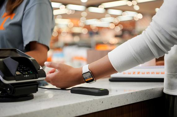 아이폰속으로 들어간 학생증과 지갑...애플, 12개 대학에 ID 카드 기능 추가 확대
