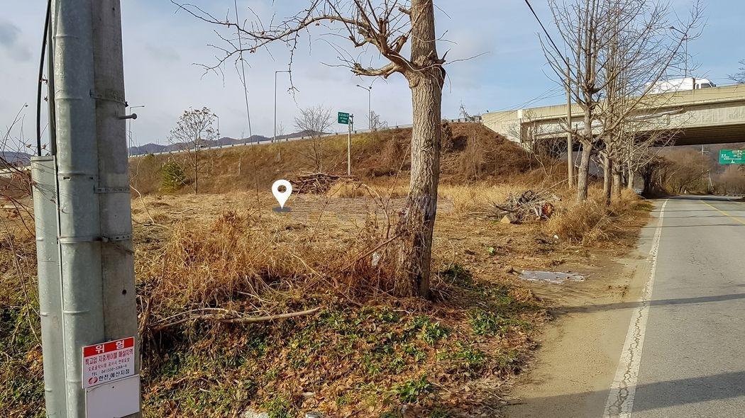 2차선 도로 옆 접근성 좋은 계획관리지역 토지