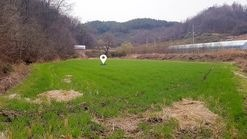 본마을과 떨어져 민원소지가 적은 저렴한 금액의  영농지