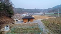 10여가구가 듬성듬성 모여사는 마을